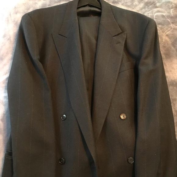 f4a5975f7a8 Men s Giorgio Armani wool suit. Giorgio Armani. M 5c267b055c4452688e3c236f.  M 5c267b07bb761544a0c33ba6. M 5c267b08df030787a5469d93
